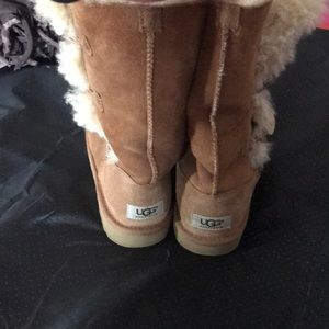 Ugg boots gently worn one repair